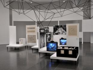 Forma Otwarta. Wystawa Oskara Hansena w MACBA