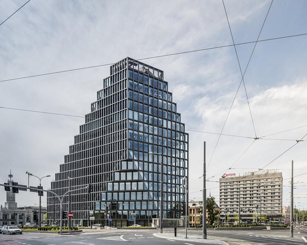 Biurowiec Bałtyk w Poznaniu. Tak wygląda pierwsza polska realizacja MVRDV